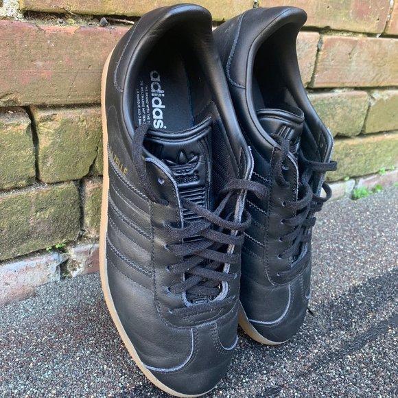 Adidas Gazelle Shoes, Core Black/Gum, mens 9
